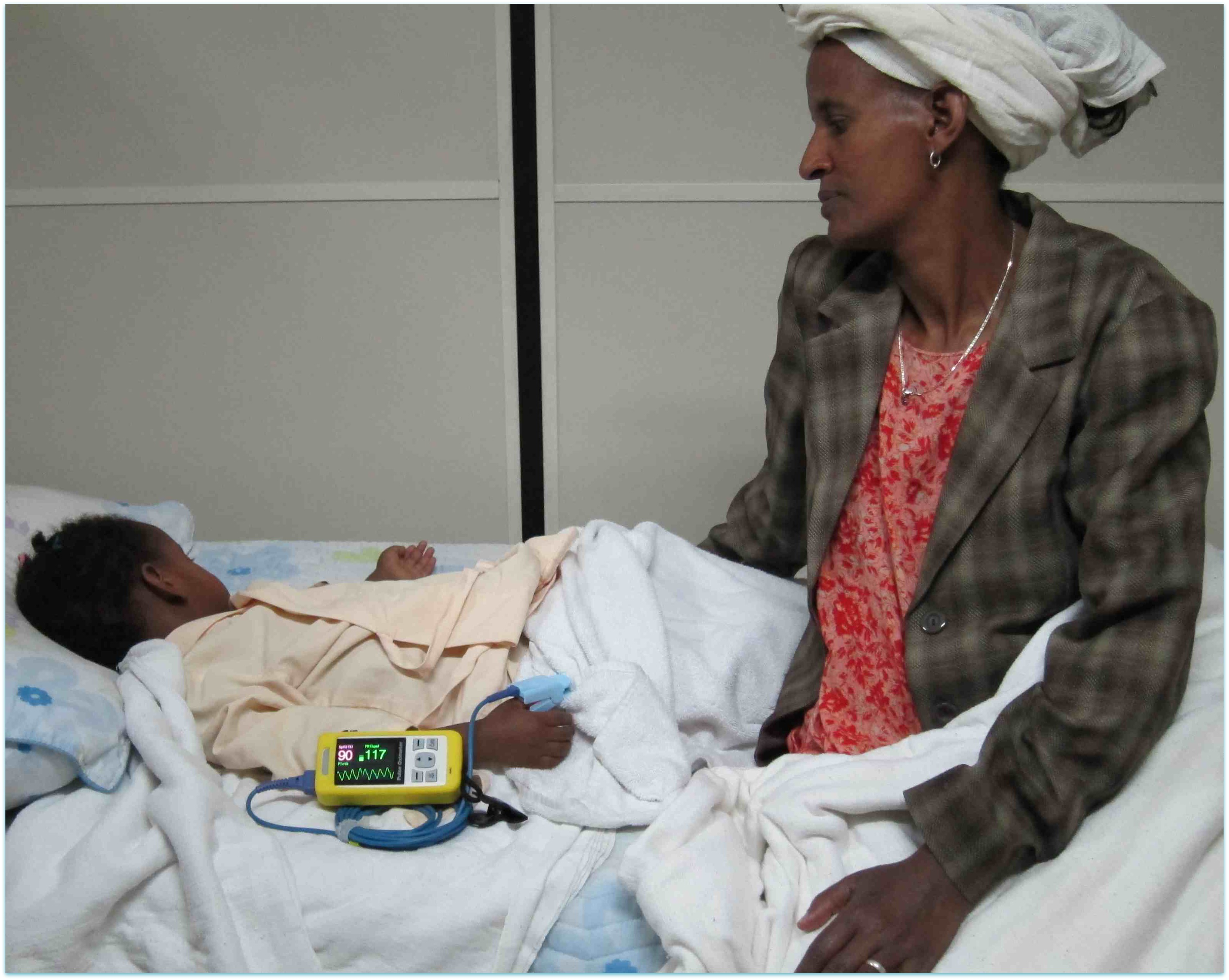 AAGBI donation, Black Lion, Addis_2011_Ethiopia_chain of hope (11)_oximetry patient