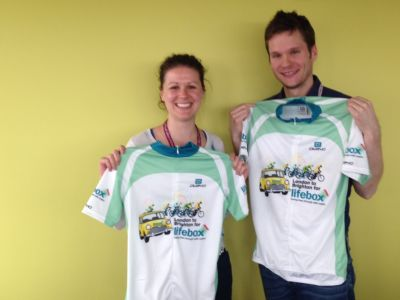 2015_May_Lifebox.Fellows.in.Mini.Cycle.Shirts_400 x 300