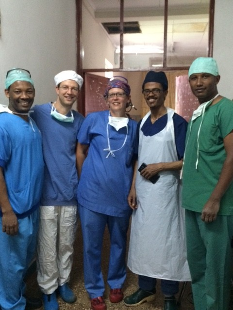 150927_Ethiopia_Tom Weiser_surgeons of Jimma_Sonja middle