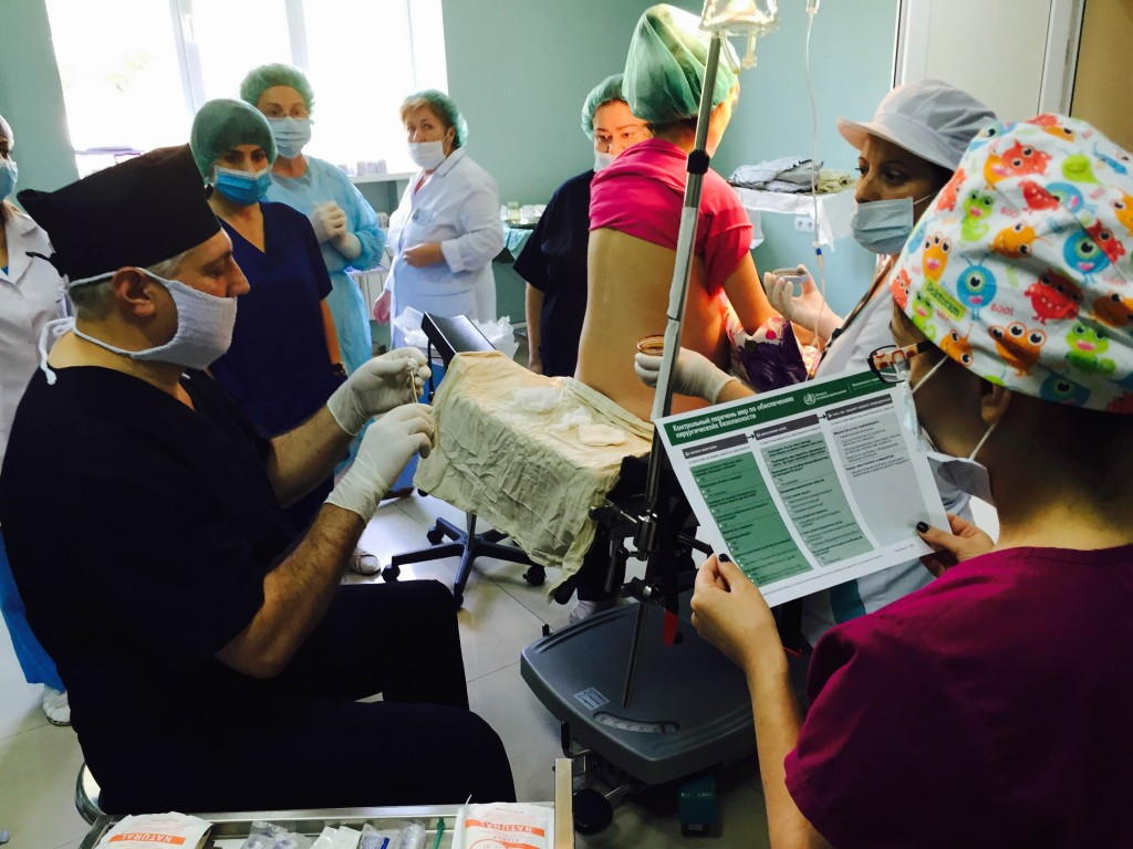 150911_Armenia_Yerevan_Gordon Yuill_Kybele workshop_Checklist before spinal anaesthesia for C-section