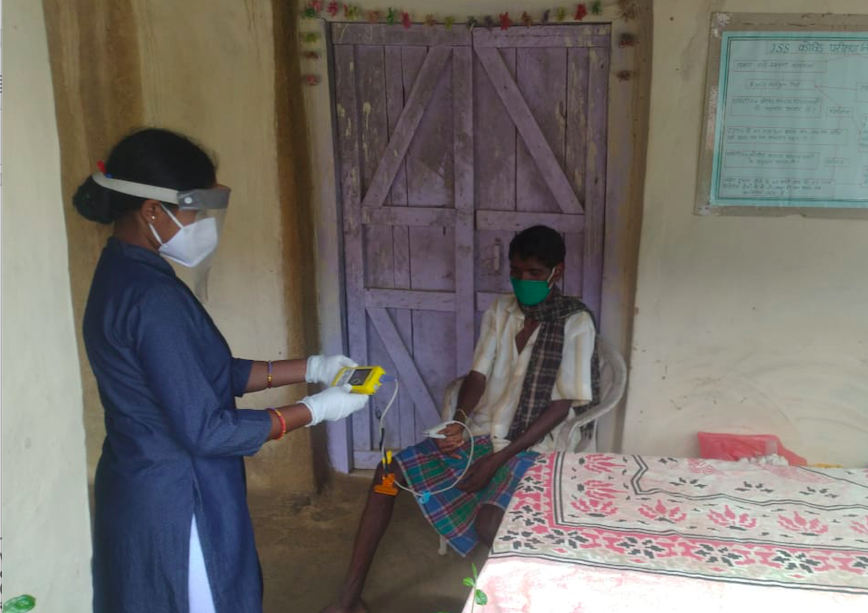 COVID-19 patient monitoring in Bamhani, Chhattisgarh, India with a Lifebox Pulse Oximeter donated to Jan Swasthya Sahyog